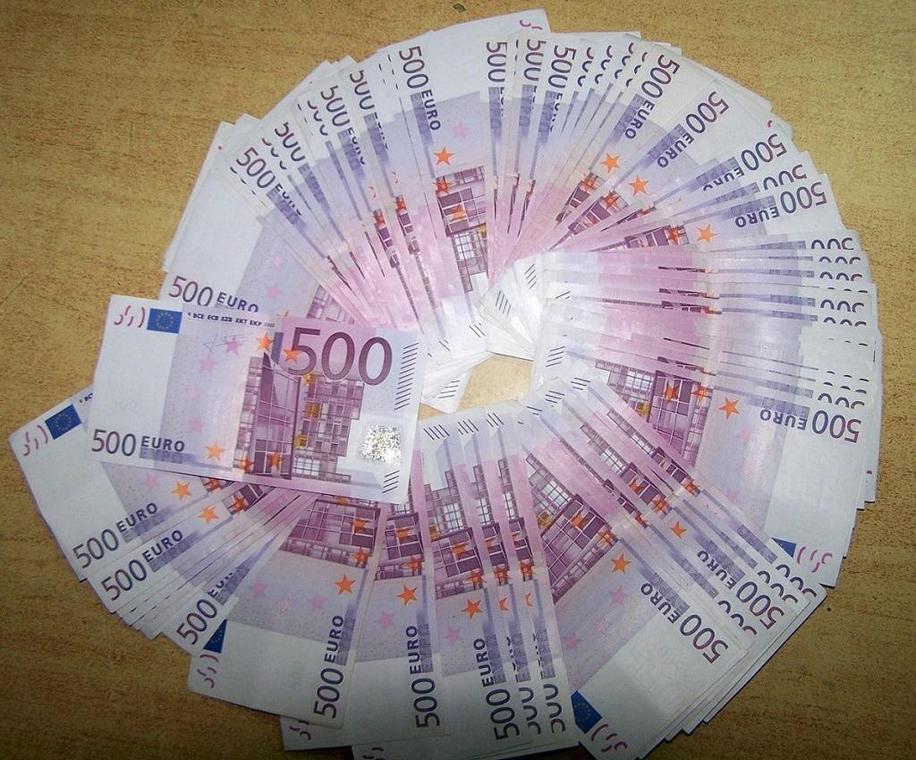 Photo of Neprijavljenih 47.000 evra u džepu pantalona