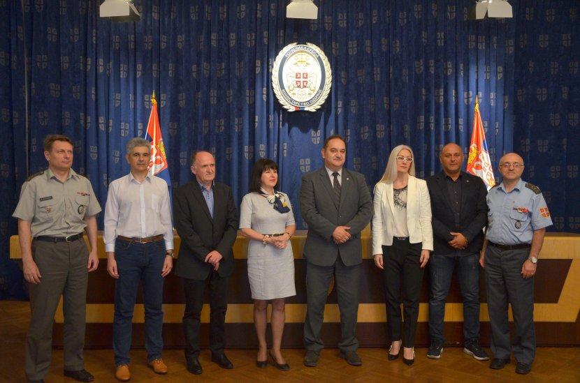Photo of Besplatne školarine za decu pripadnika Ministarstva odbrane i Vojske Srbije