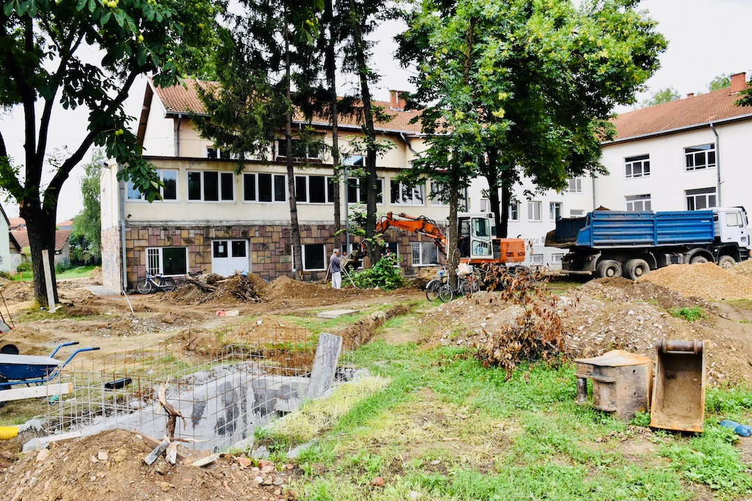 Photo of Inteziviraju se radovi na uređenju dvorišta škole Dušan Radović