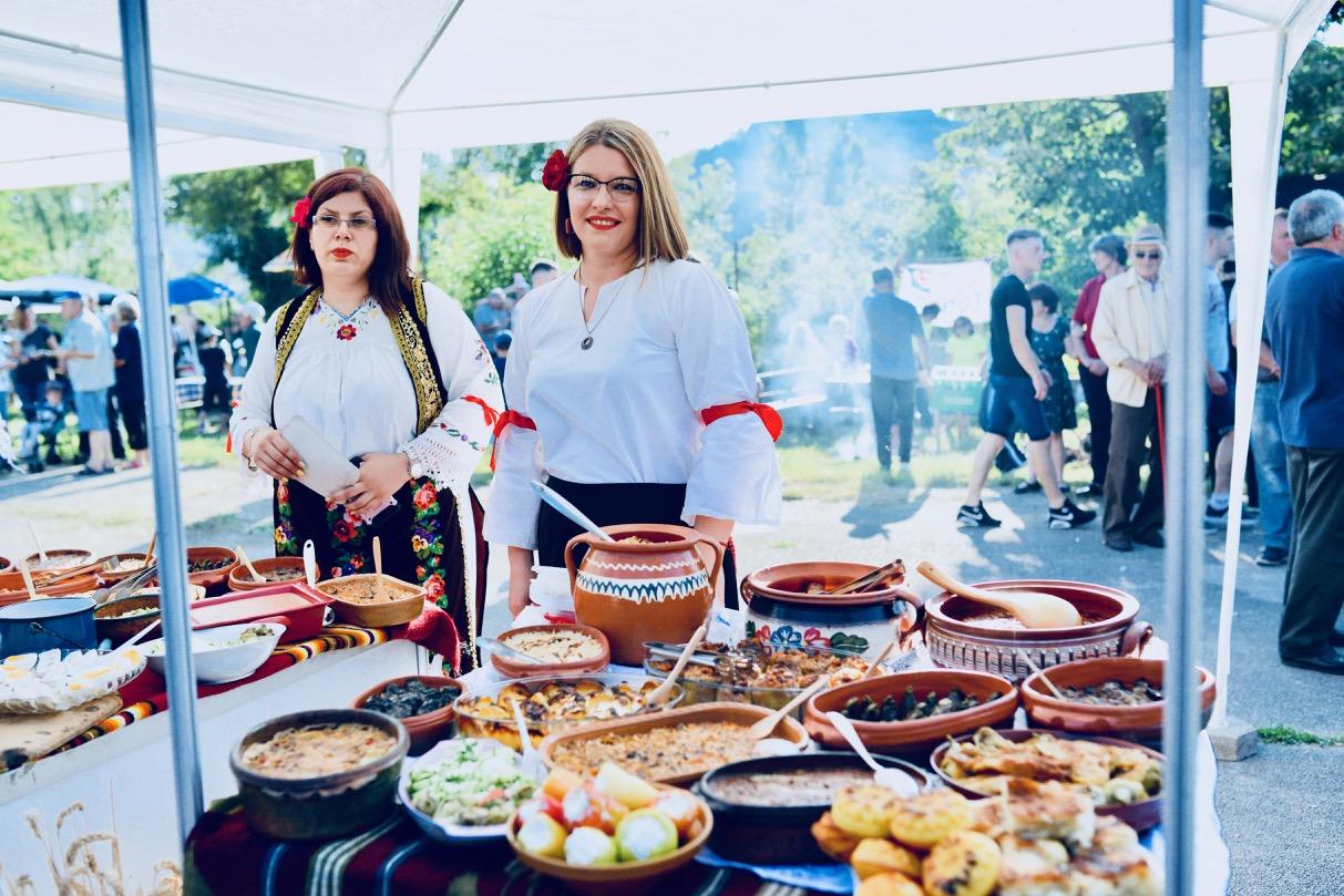 Photo of Sajam staroplaninske hrane u Temskoj – praznik za sladokusce *FOTO*