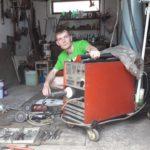 Pirotski autolimar pomaže vlasnicima starih automobila i onima lošijeg materijalnog stanja