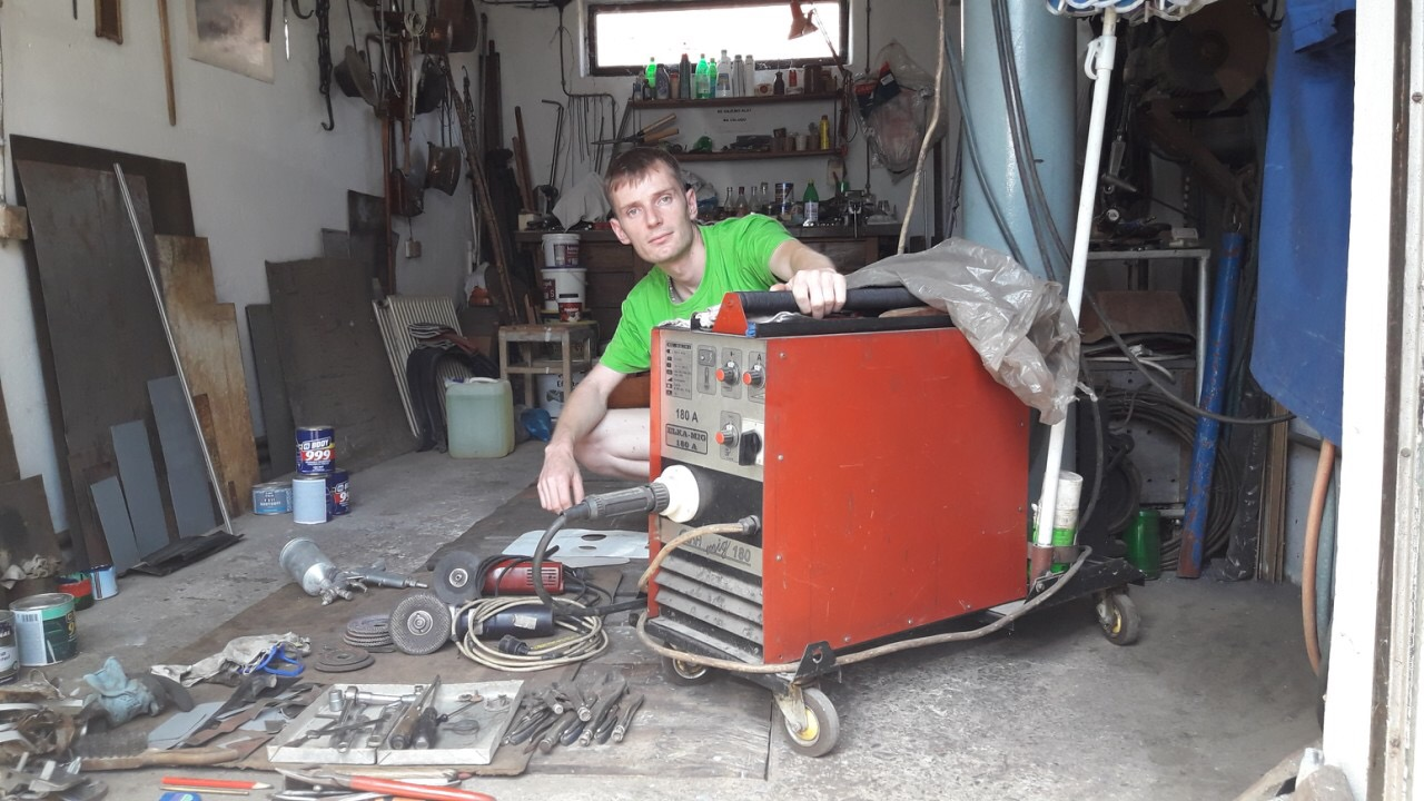 Photo of Pirotski autolimar pomaže vlasnicima starih automobila i onima lošijeg materijalnog stanja