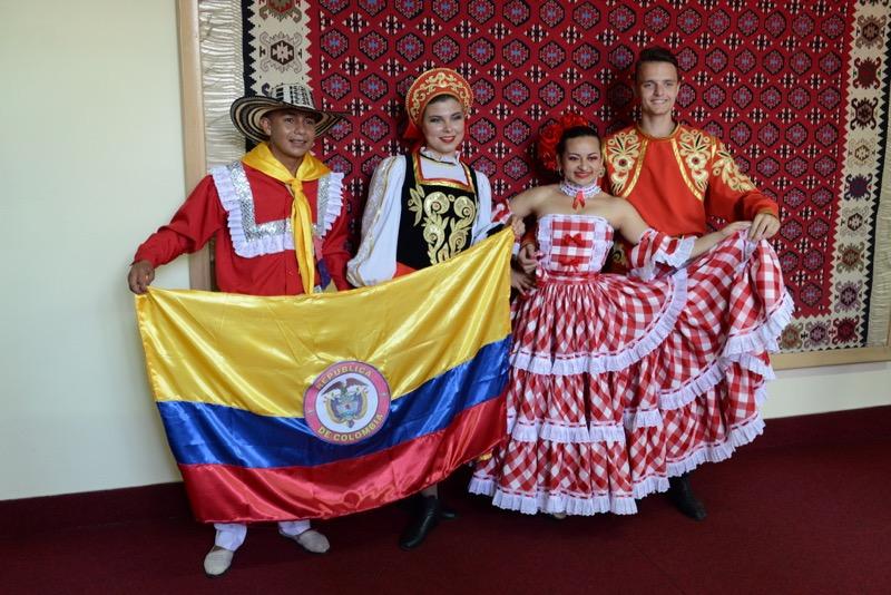Photo of Folklorci iz više od 50 zemalja sveta paradirali Pirotom u prethodnih 13 godina