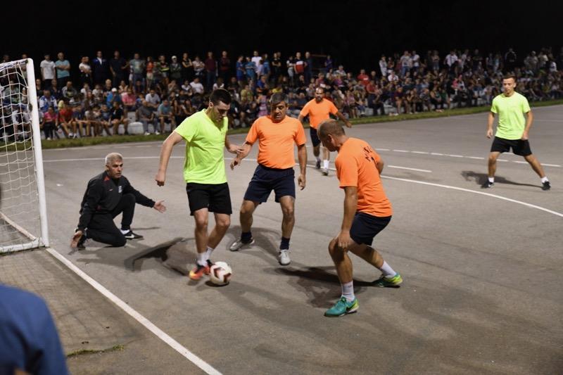 Photo of Turnir u malom fudbalu u naselju Tanasko Rajić izuzetno posećen – poslastica za ljubitelje sporta