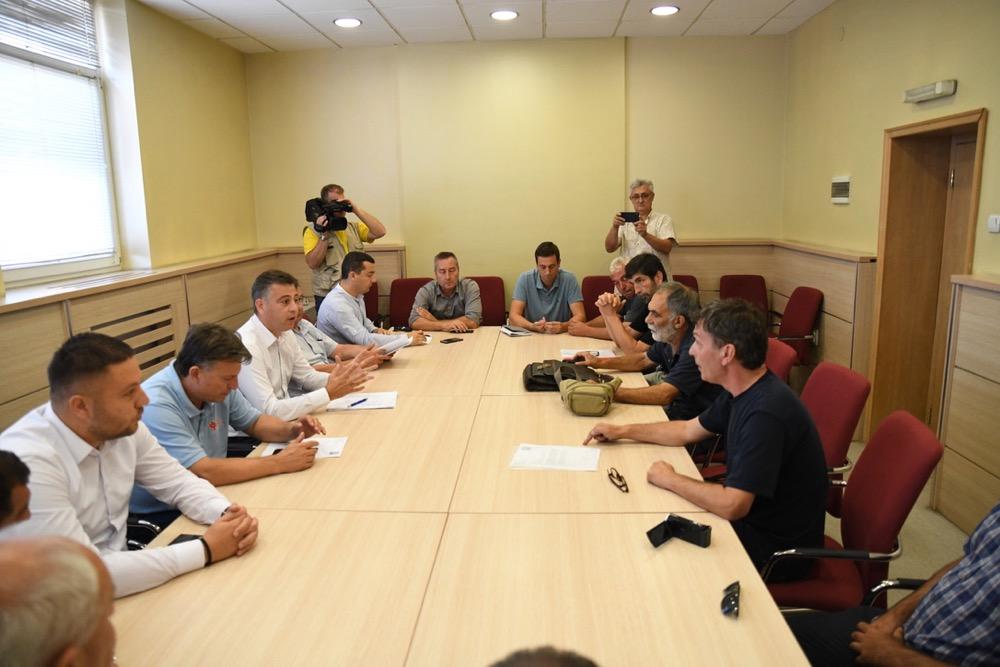 Photo of Sastanak o MHE – Vasić: Svi želimo da odbranimo reke, Grad nema ingerencija da zabrani gradnju MHE