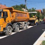 Asfaltira se Ulica nosilaca albanske spomenice, investicija od preko pet miliona dinara