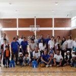 Lokalno stanovništvo Bele Palanke i migranti obeležili predstojeći početak nove školske godine zajedničkim učešćem u sportsko – volonterskoj akciji u Beloj Palanci