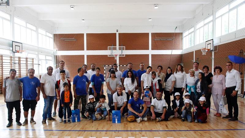 Photo of Lokalno stanovništvo Bele Palanke i migranti obeležili predstojeći početak nove školske godine zajedničkim učešćem u sportsko – volonterskoj akciji u Beloj Palanci