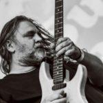 Nikola Vranjković, kultni srpski rok muzičar nastupa u Pirotu