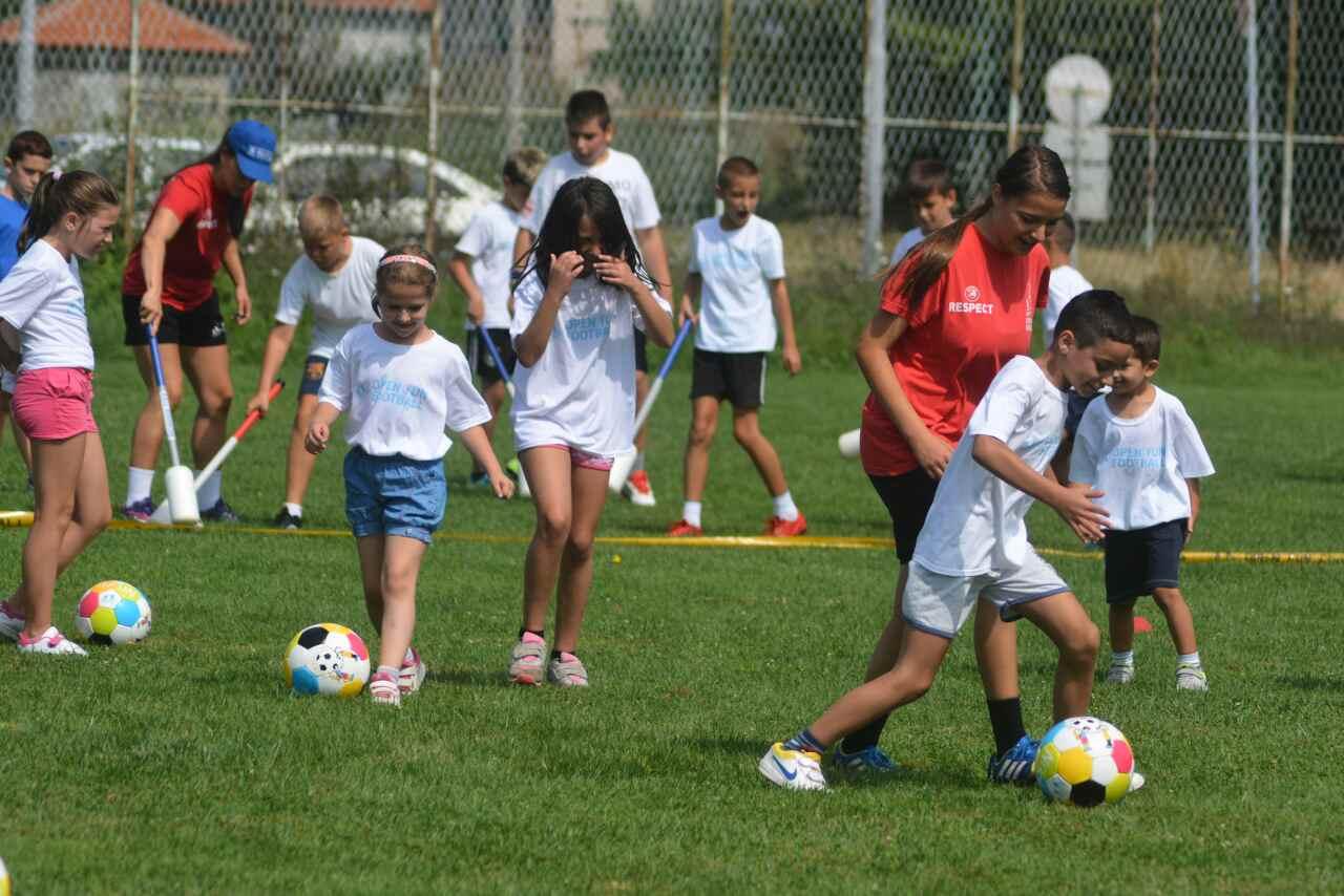 Photo of Održana Zabavna školica fudbala – veliko interesovanje mališana