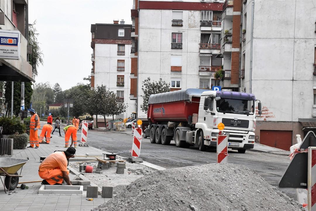 Photo of U toku završni asfalterski radovi u Takovskoj ulici