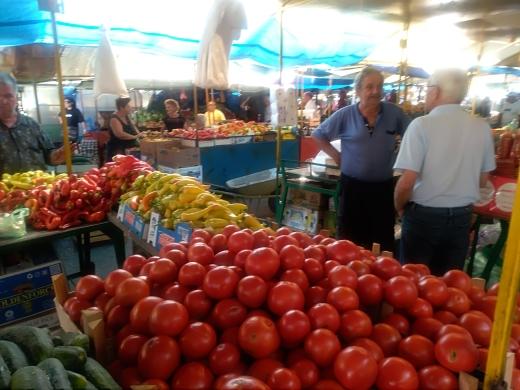 Photo of Pirotska pijaca: Cena paradajza kao usred zime!