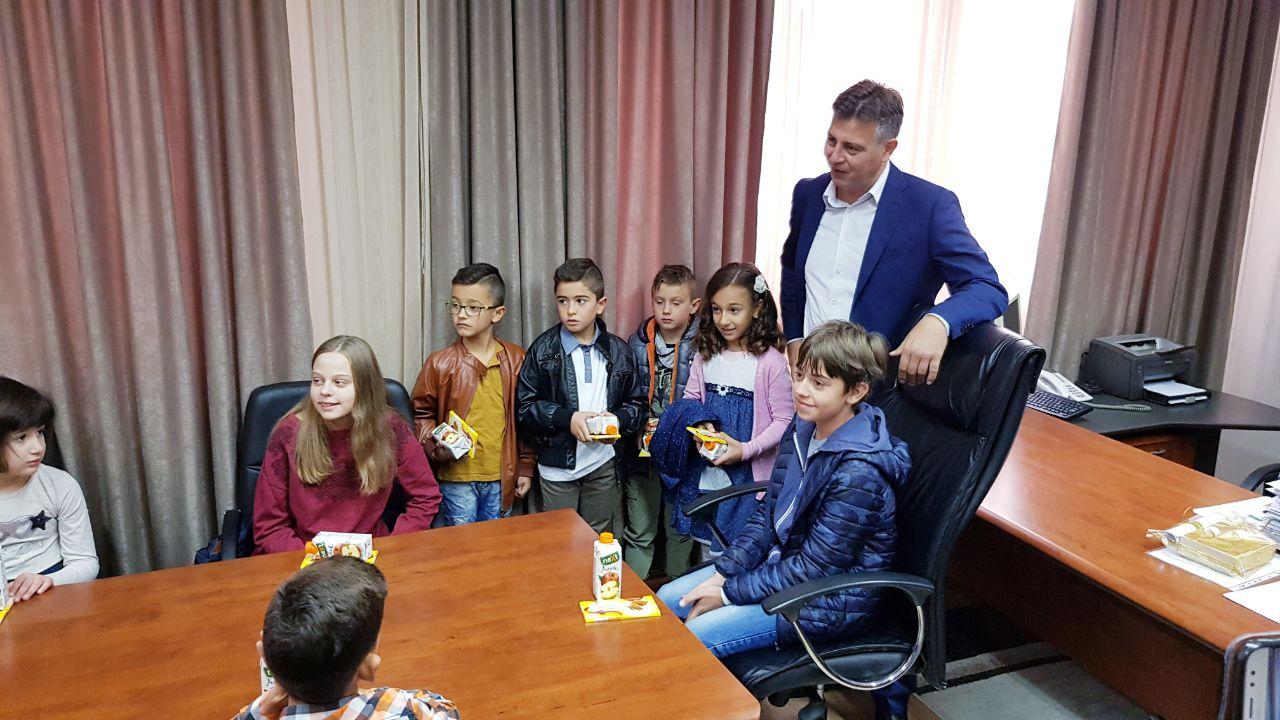 Photo of Mališani u ulozi gradonačelnika – počelo obeležavanje Dečje nedelje u Pirotu