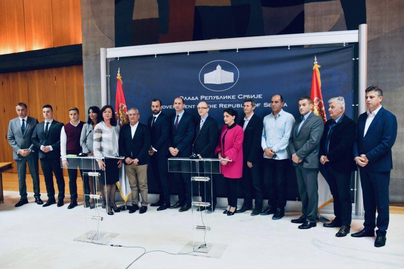 Photo of Ministarstvo daje Gradu Pirotu više od četiri miliona dinara za pošumljavanje. Ugovor potpisali Vasić i Trivan danas u Beogradu