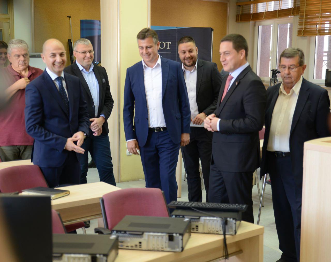 Photo of Ministar Ružić: Pirot ima racionalnu gradsku upravu, Ministarstvo će uvažiti tu činjenicu