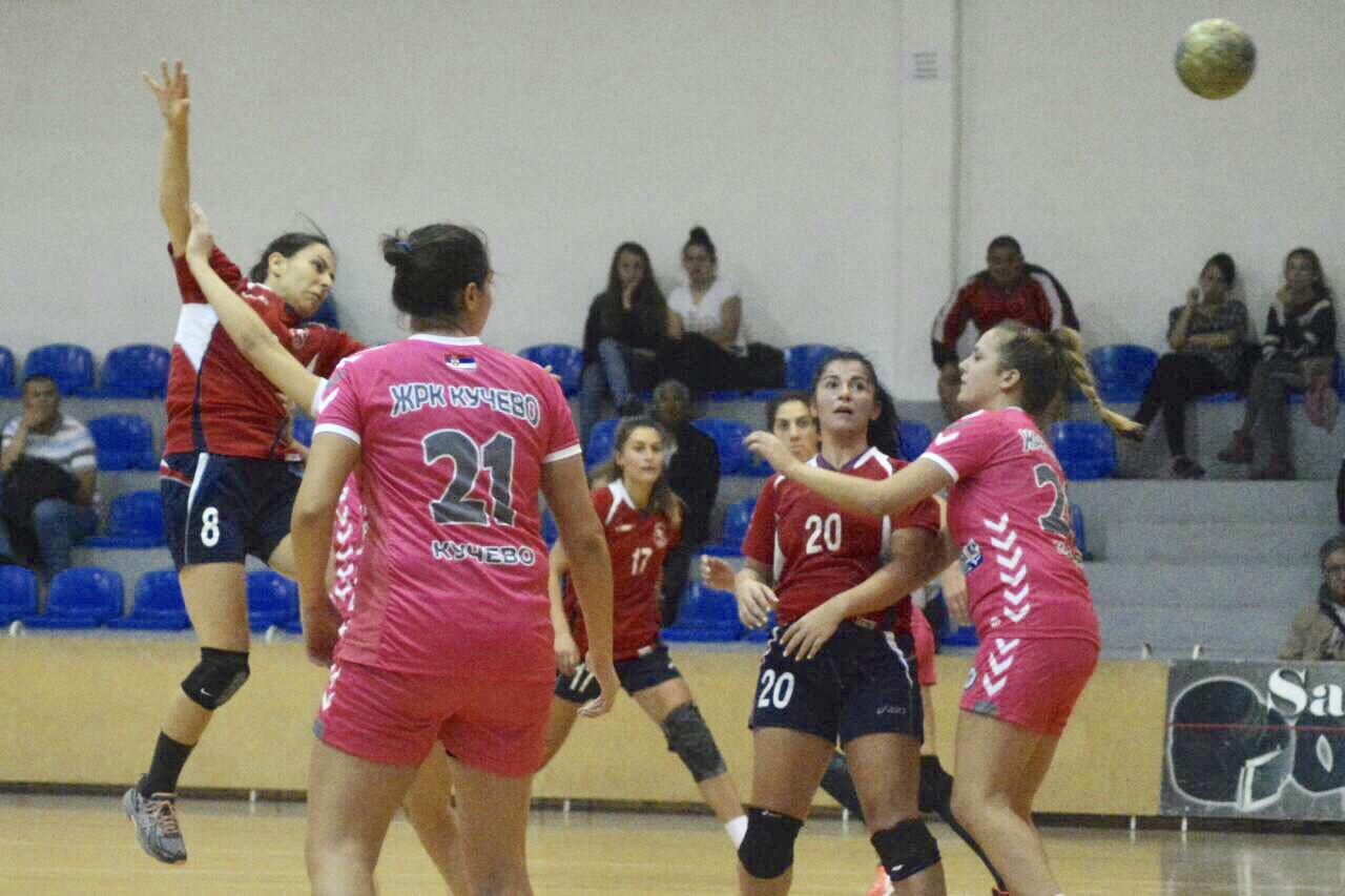 Photo of Ženska rukometna  juniorska reprezentacija Srbije na pripremama u Pirotu