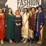 Ovacije za modele sa šarama pirotskog ćilima Silvane Tošić na Serbia fashion week-u u Novom Sadu
