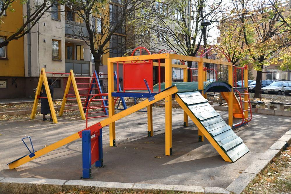 Photo of Dečja igrališta na Crvenom trgu i u Jevrejskoj ulici potpuno renovirana