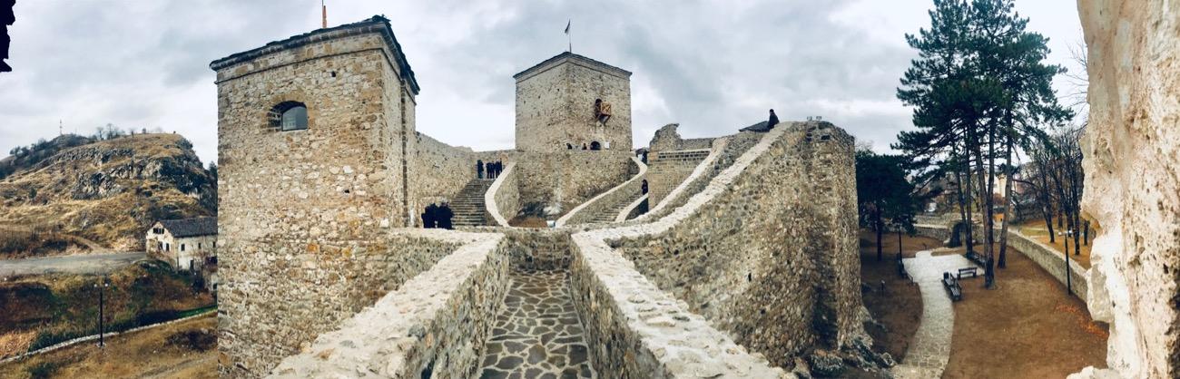 Srednjovekovna srpska tvrđava Momčilov grad