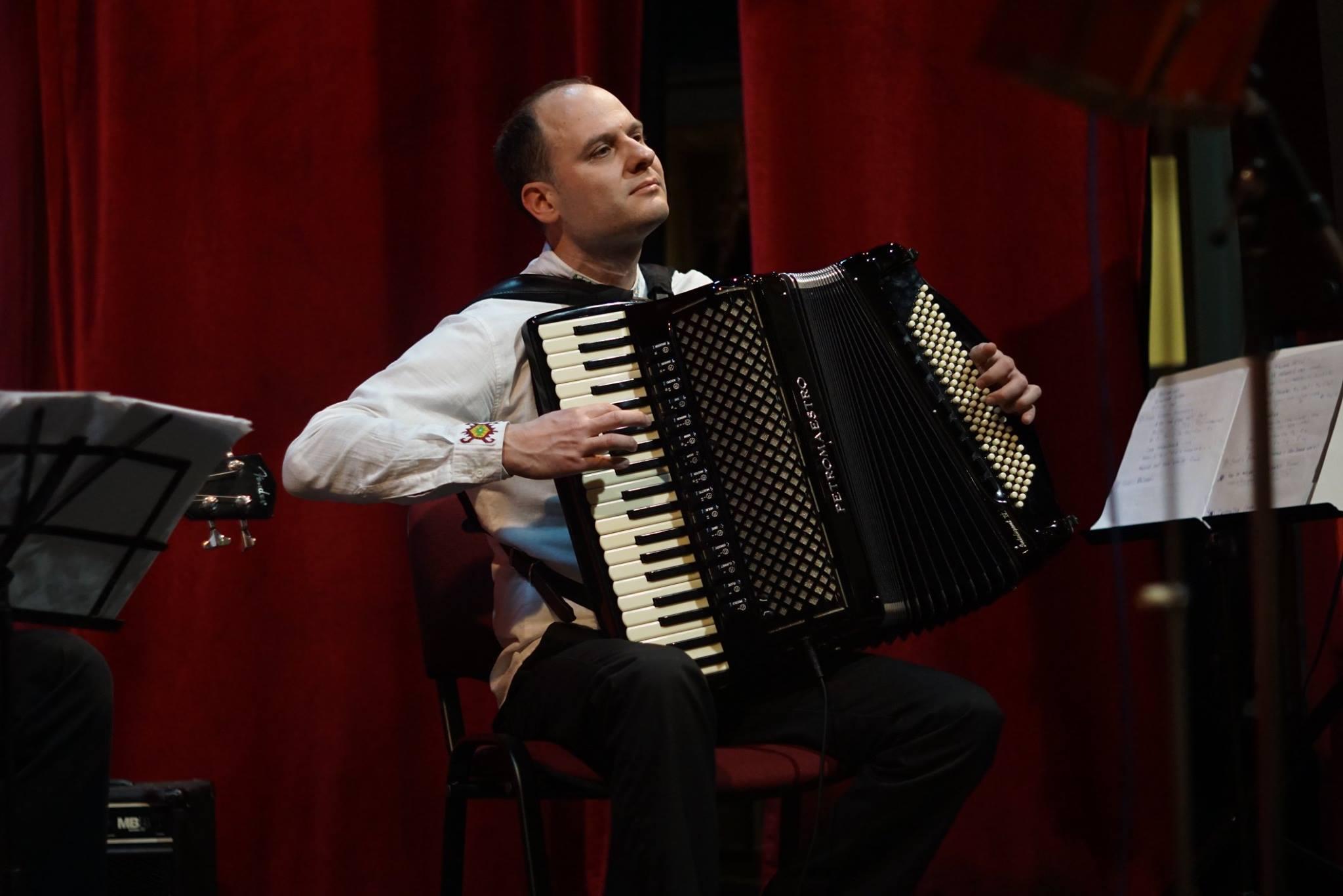 Photo of Zvuci harmonike u kanjonu Jerme – novi spot i instrumentalni album Vlade Veselinovića