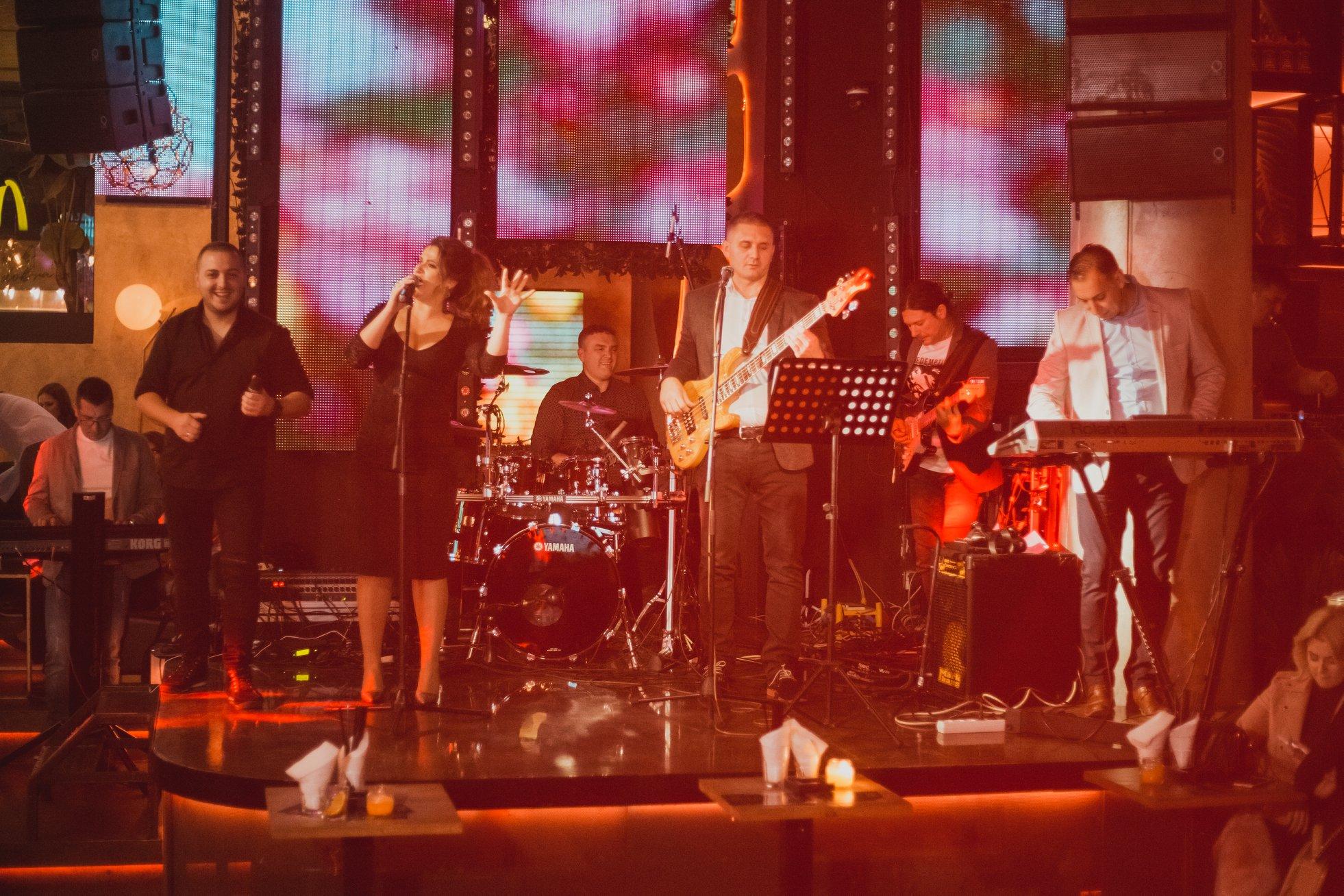"""Photo of Pirotski bend """"Nacionalna klasa""""  dobio nagradu """"Beogradski pobednik"""" kao najbolji """"uživo"""" bend Srbije"""