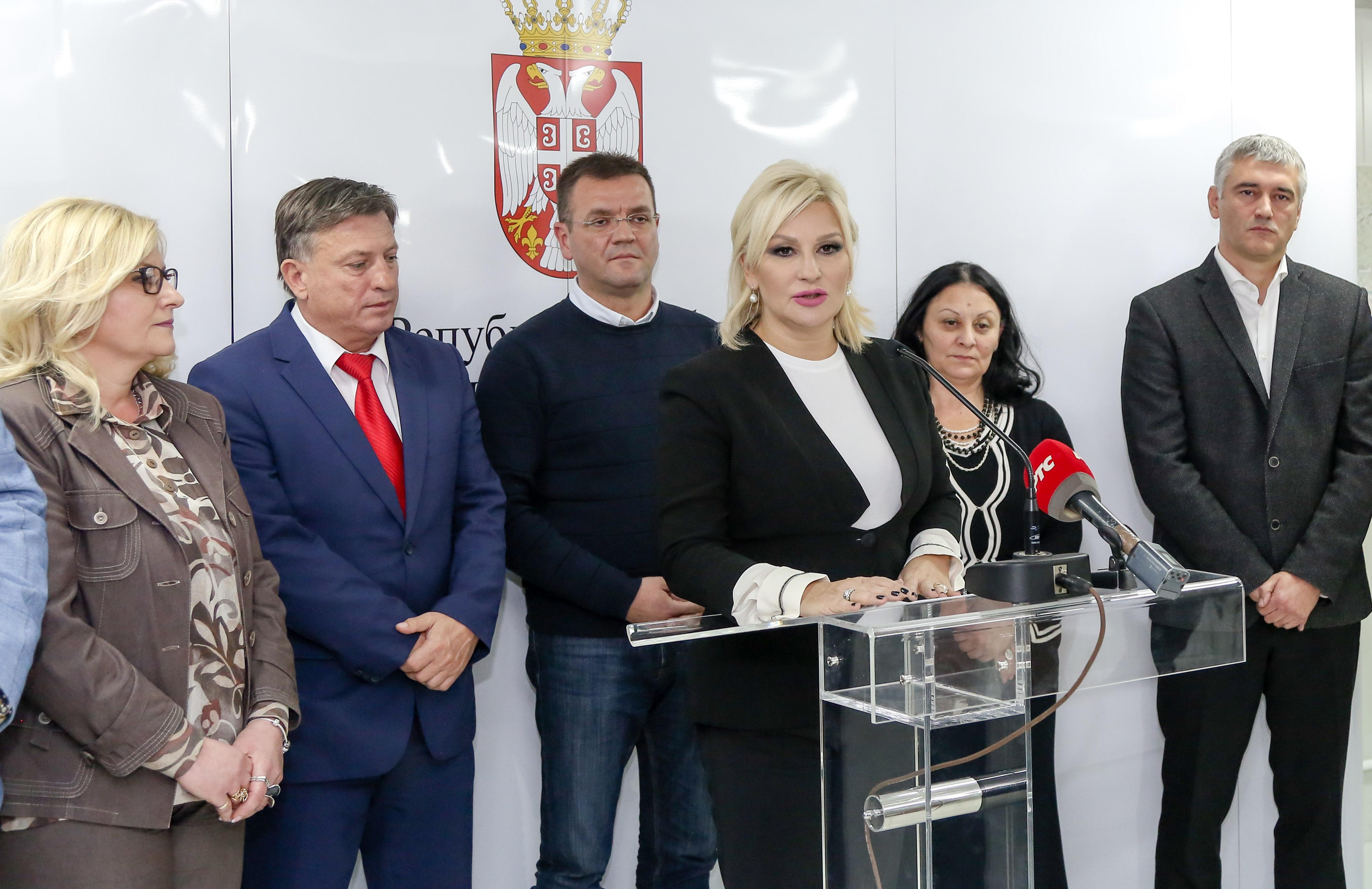 Photo of Mihajlović: Završavamo Koridor 10, ali ne zaboravljamo lokalne puteve u Pirotskom okrugu