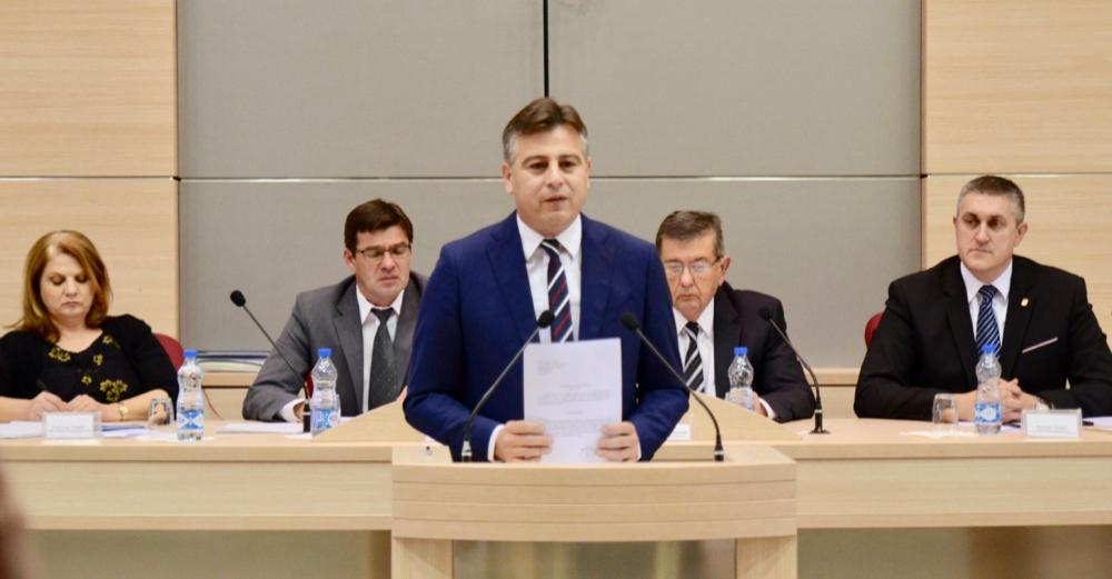 Photo of Usvojen budžet za 2019. godinu, za investicije i infrastrukturu biće izdvojeno tri miliona evra