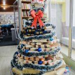 Narodna biblioteka Pirot: Novogodišnja jelka od knjiga (FOTO)