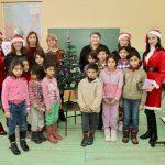 Mališanima iz seoskih škola pirotske Dobre vile darivale poklone