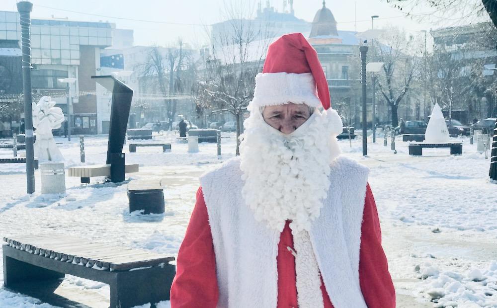 Photo of Ispovest najstarijeg pirotskog Deda Mraza: Sve je manje Deda Mrazova u Pirotu