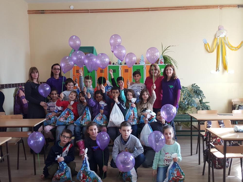 Photo of Savinu nedelju obeležili na najbolji mogući način – podelom paketa mališanima u seoskim školama