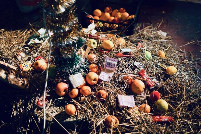 Photo of Paljenjem badnjaka i lomljenjem česnice obeleženo Badnje veče u Pirotu