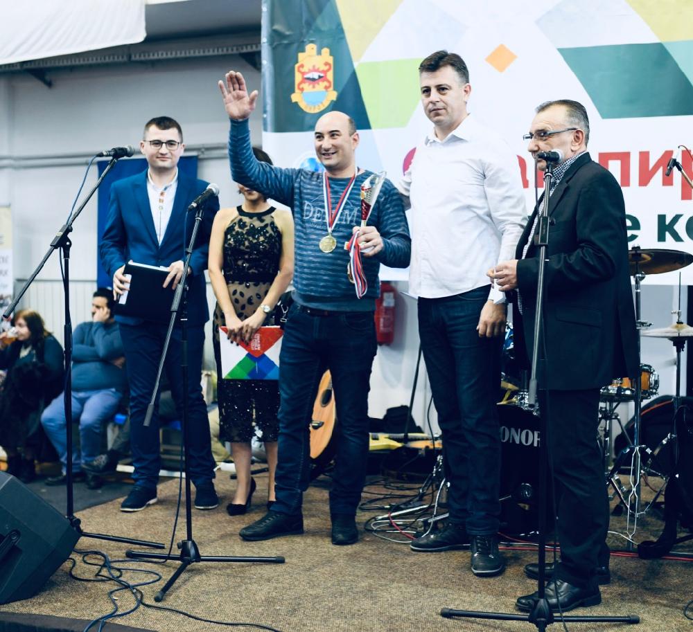 Photo of Aleksandar Džunić pobednik ovogodišnjeg Sajma pirotske peglane kobasice