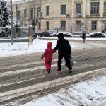 OPREZ: Kritično pa pešačkim prelazima, neophodan oprez i vozača i pešaka