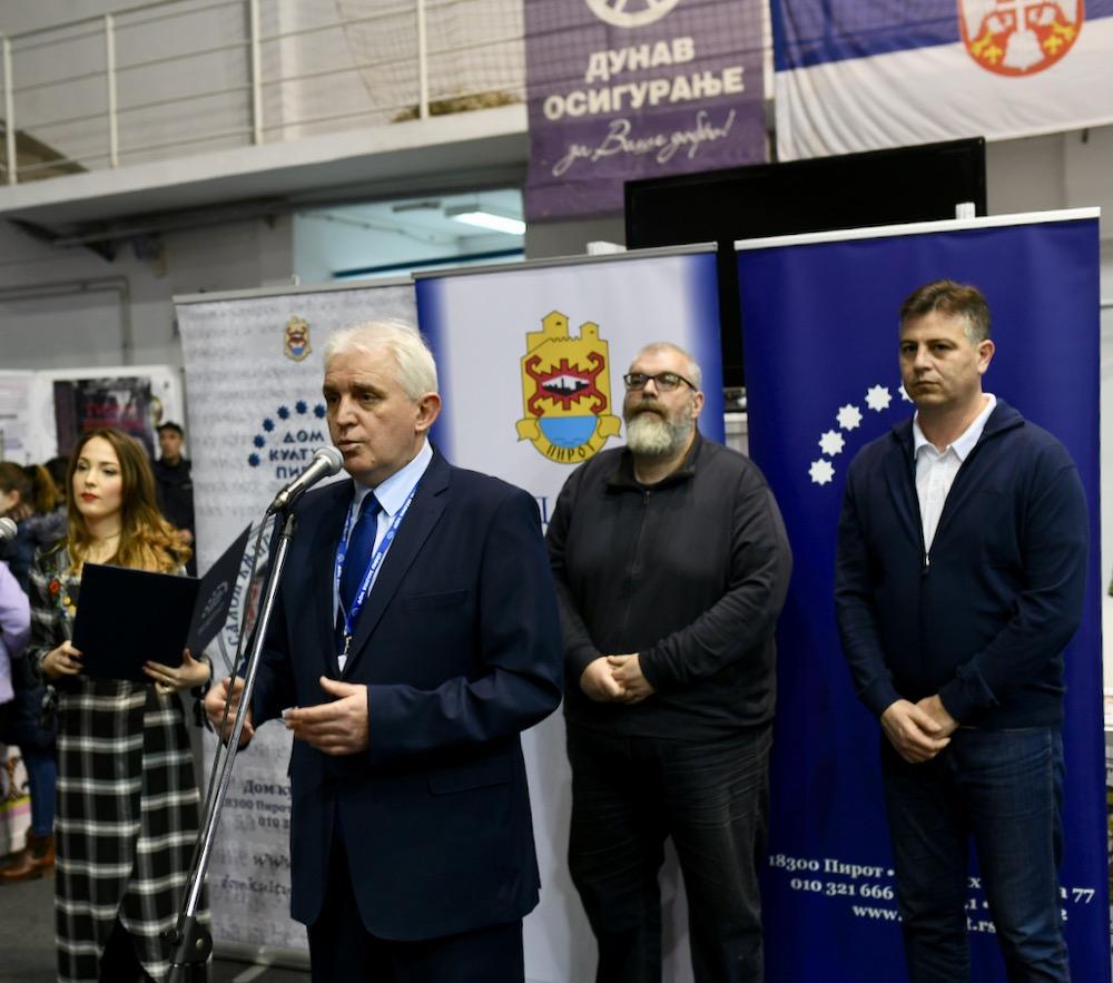 Photo of Dvadeseti Salon knjiga otvoren u Pirotu – više od 200.000 ljubitelja knjige posetilo Salon