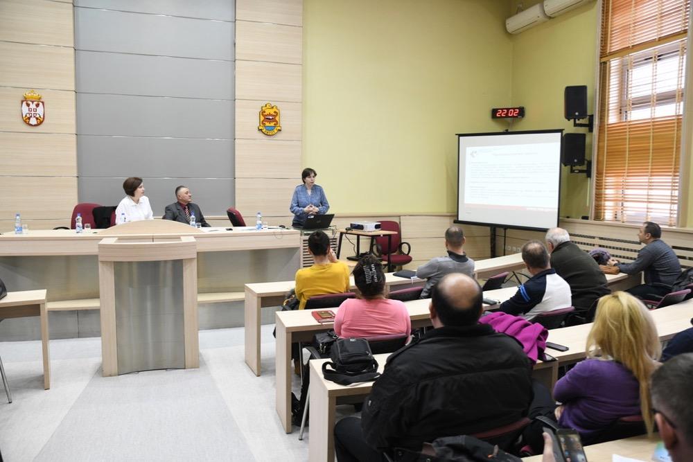 Photo of NSZ u Pirotu prezentovao javne pozive za 2019. godinu. Cilj – jednocifrena stopa nezaposlenosti