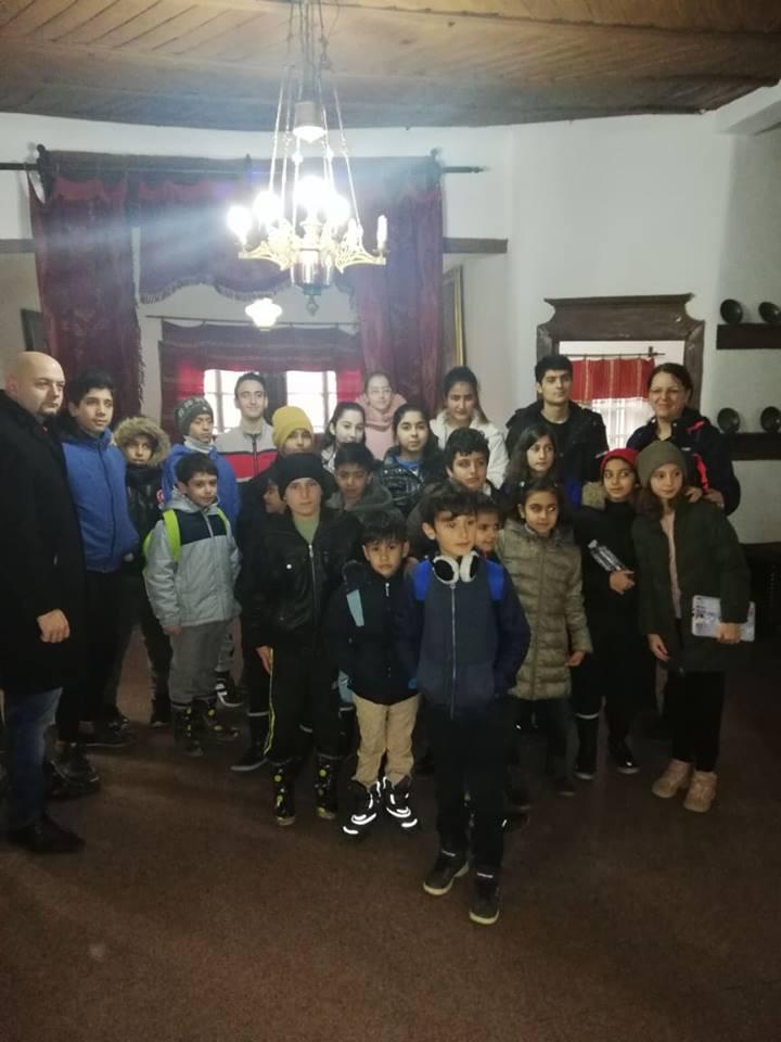 Photo of Mališani migranti iz Avganistana, Iraka, Irana posetili Muzej Ponišavlja
