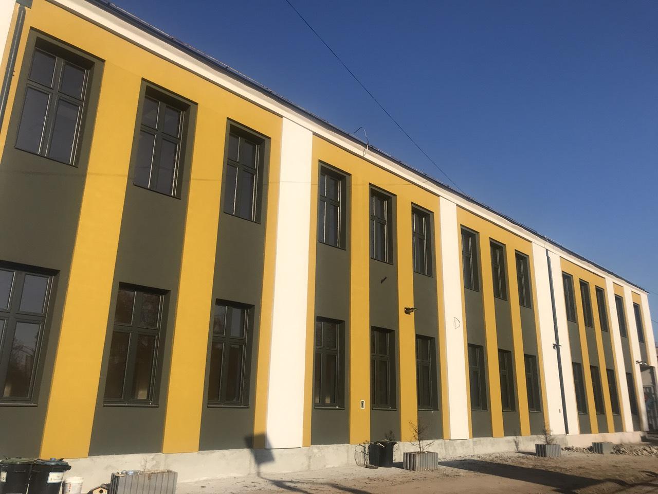 """Photo of Rekonstrukcija OŠ """"Sveti Sava"""" uspešno se realizuje. Pod u fiskulturnoj sali imaće sertifikat FIBA"""