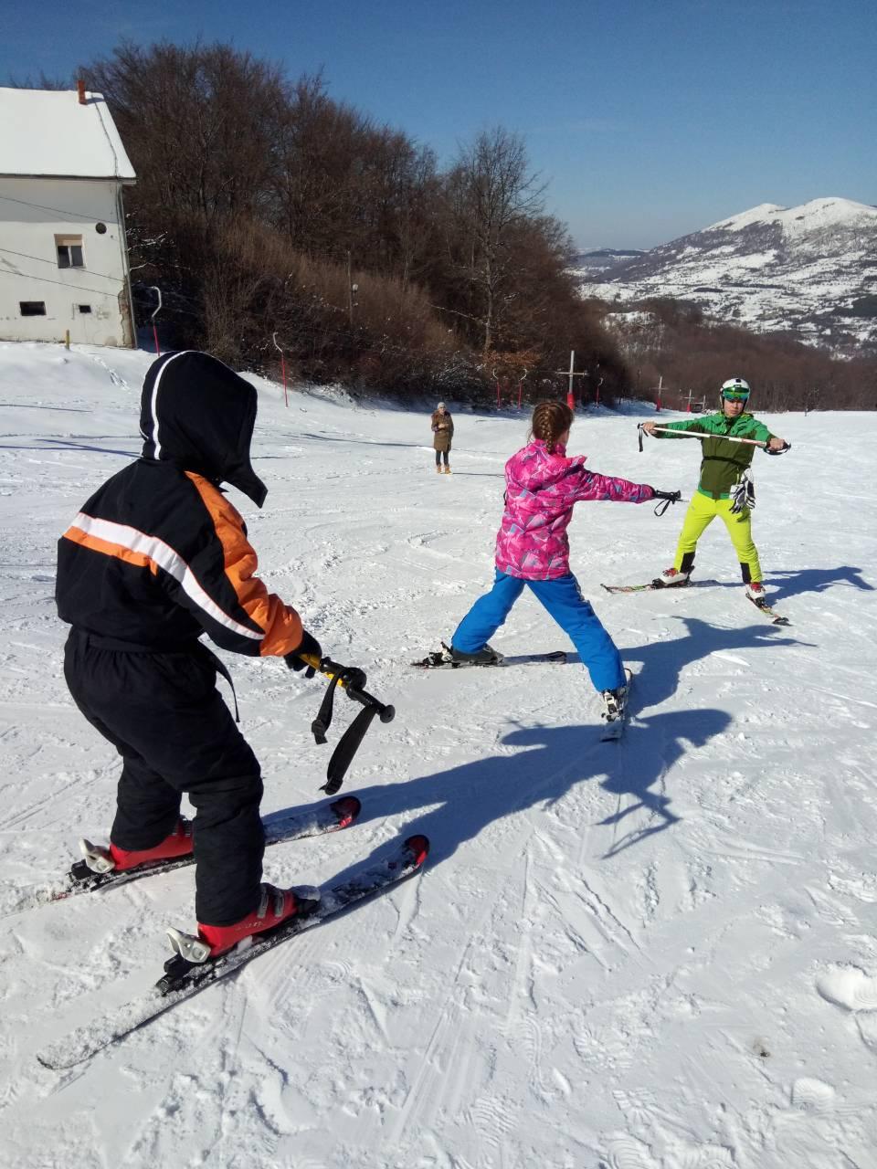 Photo of Raj za skijanje i uživanje na snegu na Planinarskom domu na Staroj planini