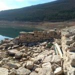 """Zavojsko jezero:""""Izronili"""" temelji radionice i zidovi kuća nekadašnjeg Zavoja"""