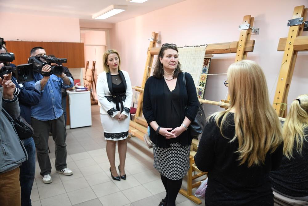 Photo of Bogata diplomatska aktivnost: Ambasadorka Kanade promovisaće i pirotski ćilim