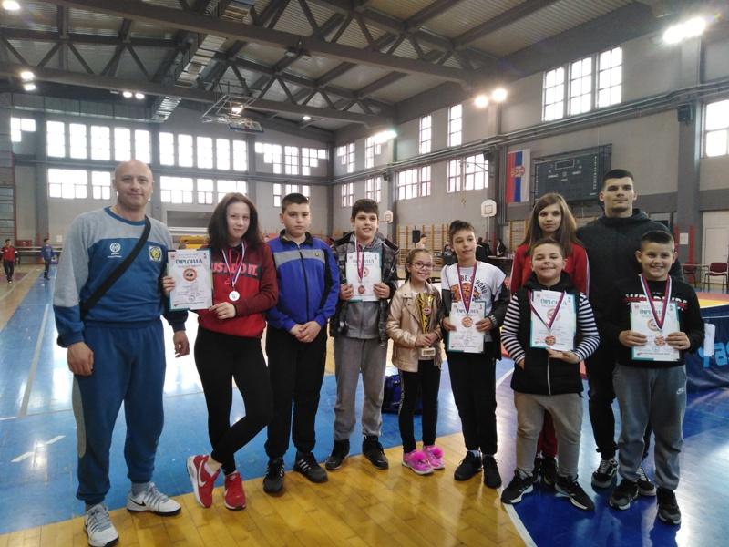 Photo of Zlato za Sofiju Jovičić, srebro za Minu Krstić. Osvojene i četiri bronze.