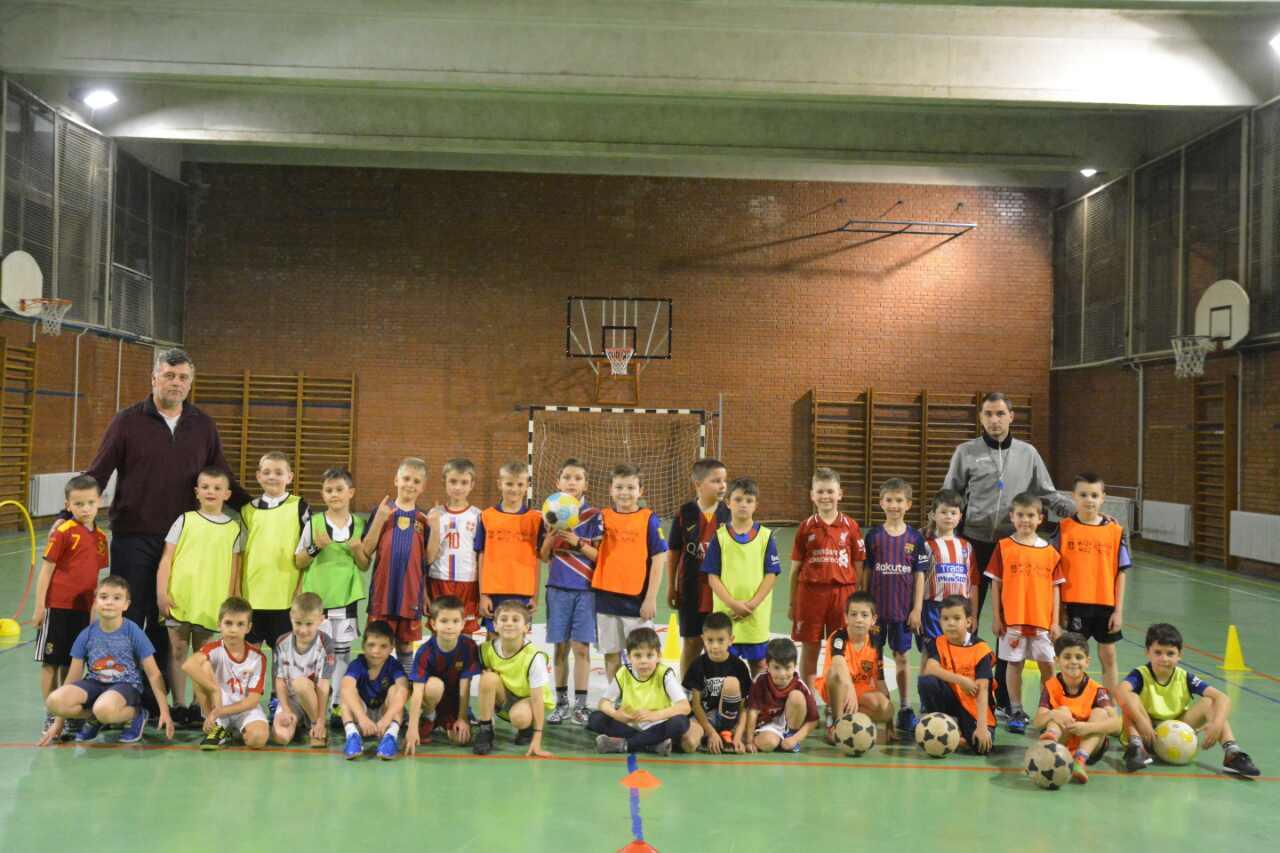 Photo of Škola fudbala Gimnazijalac – pravo mesto za prve fudbalske korake