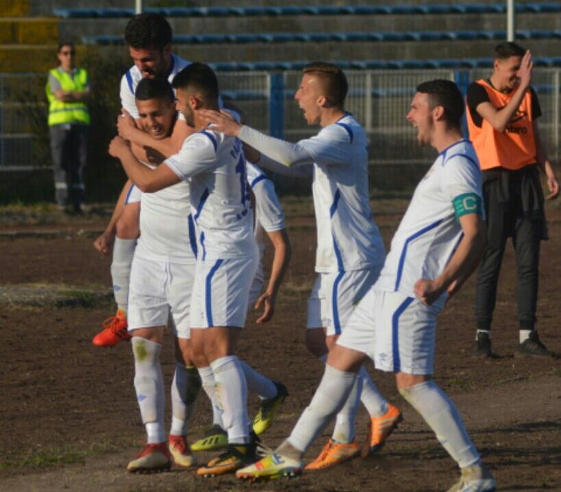 Photo of Beli ponovo u Prvoj ligi. Igrali nerešeno u Lebanu, Temnić poražen od Rtnja 2:1