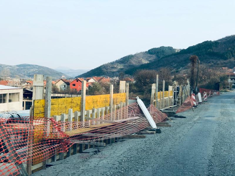 Photo of Radin do: Radovi na potpornom zidu i zameni mreže
