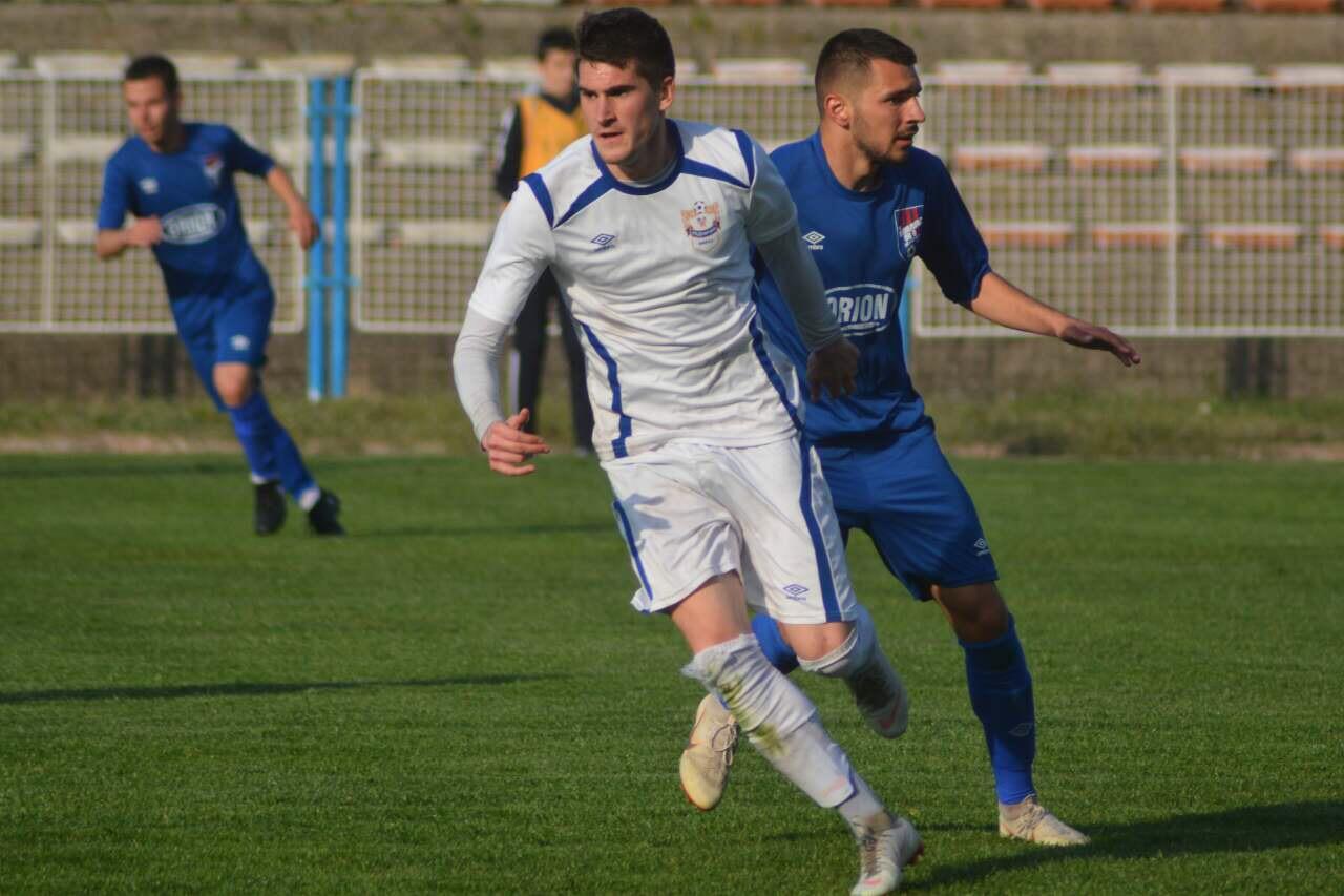 Photo of Radnički nastavio niz pobeda – Beli ubedljivi i u Paraćinu 3:0