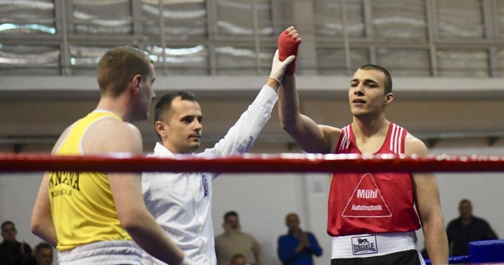 Photo of Pirot dobio prvake Srbije u boksu, ali i boksera-teškaša, kakvog nikada nismo imali – Sašu Nikolića