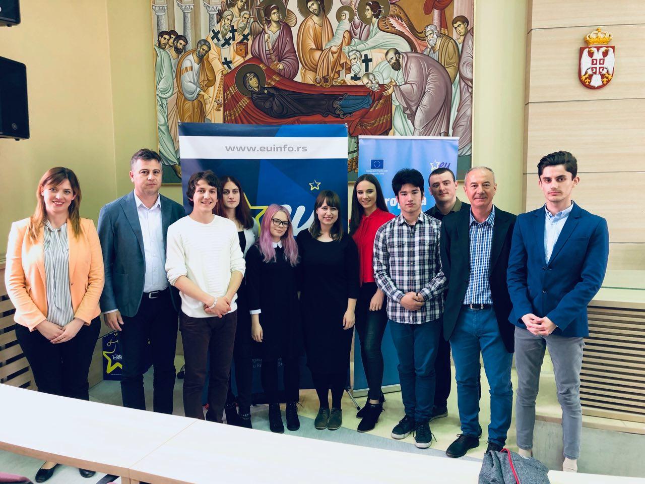 Photo of EU INFO CENTAR: Javna debata u Pirotu