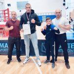 Veliki Saša Nikolić. Nakon titule prvaka države u boksu, postao prvak i u kik-boksu