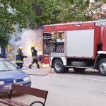 Izgoreo automobil u centru grada (VIDEO)